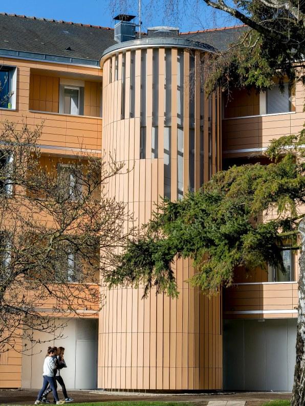 ESCALIER REHABILITATION THERMIQUE ECOLE SAINTE GENEVIEVE ATELIER D'ARCHITECTURE ELC