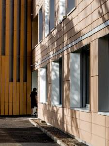 L'ENTREE DE L'INTERNAT REHABILITATION THERMIQUE ECOLE SAINTE GENEVIEVE ATELIER D'ARCHITECTURE ELC